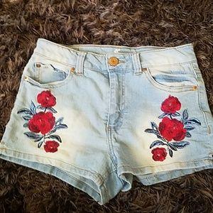 Rose print jean short shorts